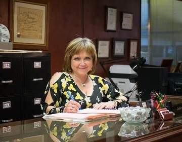 Tracie Gilley, Notary Public